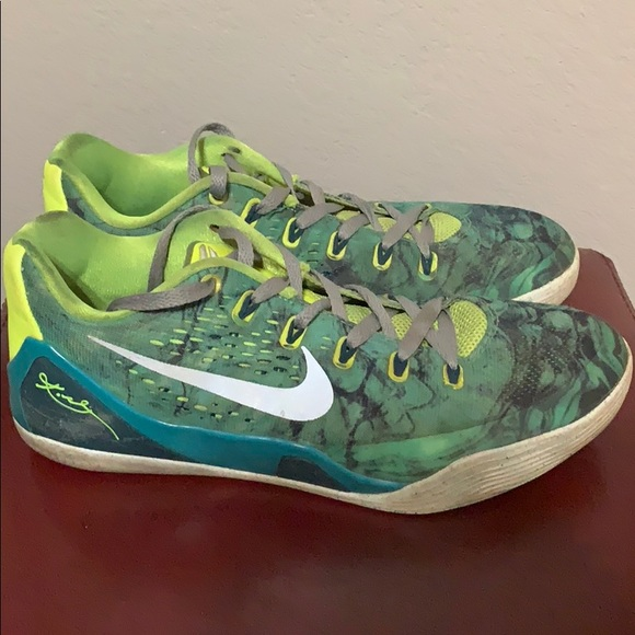 official photos 5dc2a 75385 Nike Mens Kobe 9 Easter basketball shoes. M 5bea07c07386bcc21896a93a